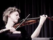 Image of violinist